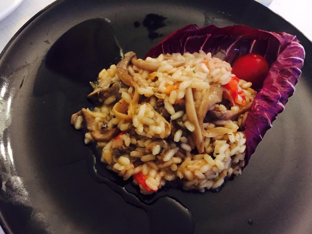 Kraftig og smagfuld risotto med svampe - Virkelig lækker og veltilberedt.