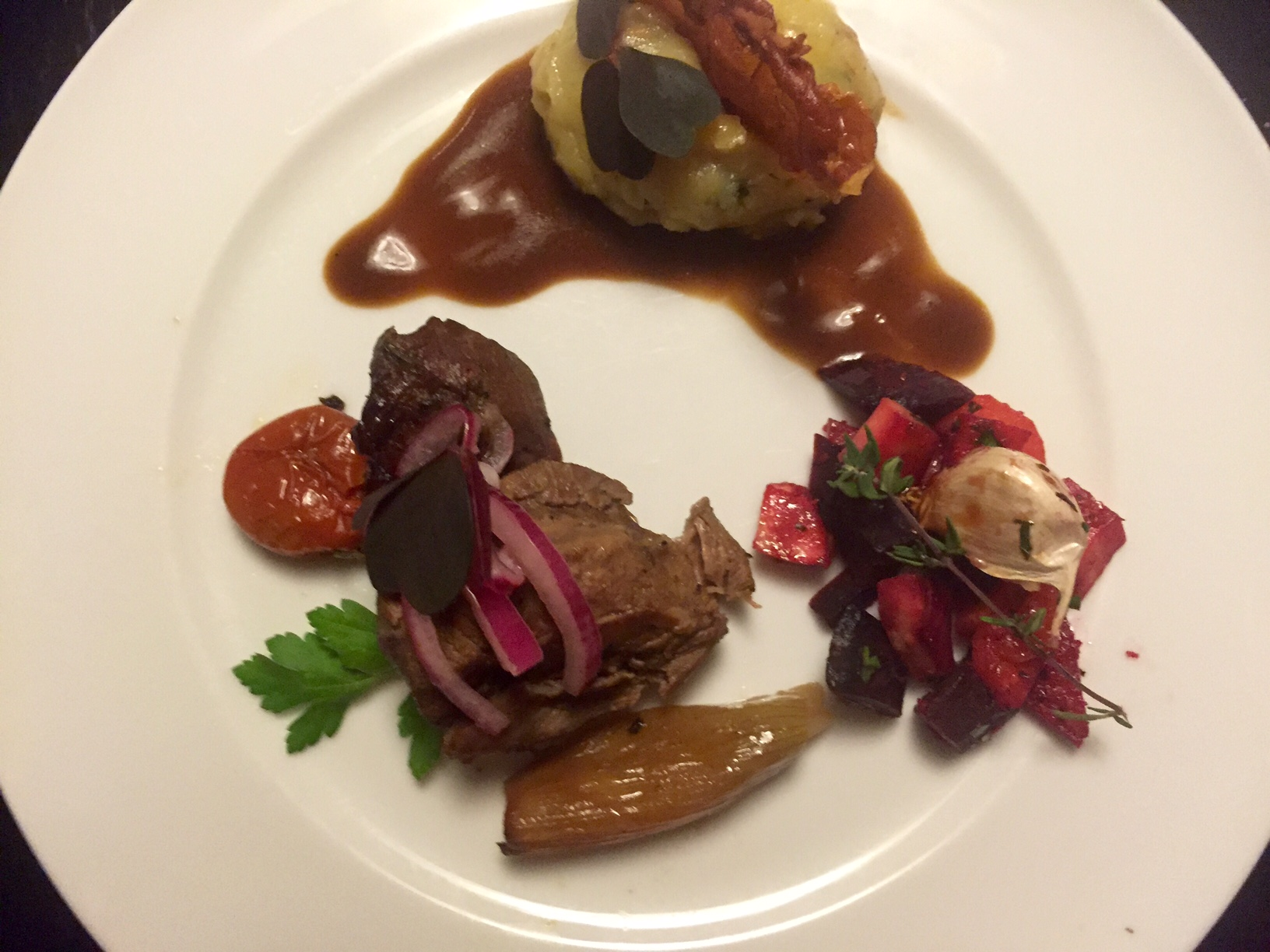 Ølbraiserede svinekæber i stegeso - Verdens møreste kød