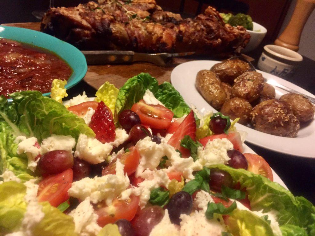 Langtidsstegt svineskank i tomatsauce med sherryvineddike og italienske krydderier